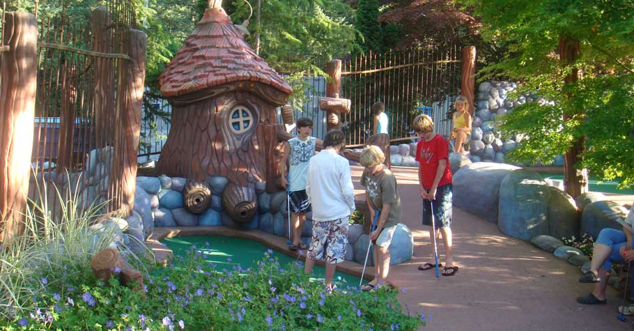 Cultus Lake Park Attractions - Mini Golf.